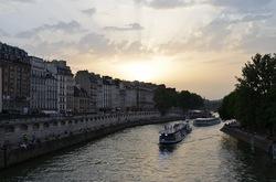 川と船.jpg